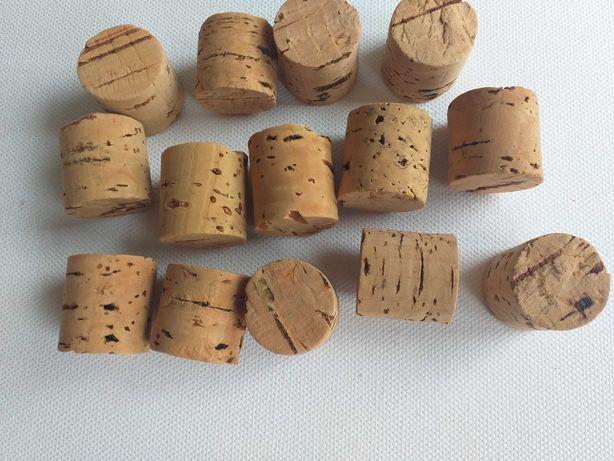 Korek naturalny walcowy z litej kory.
