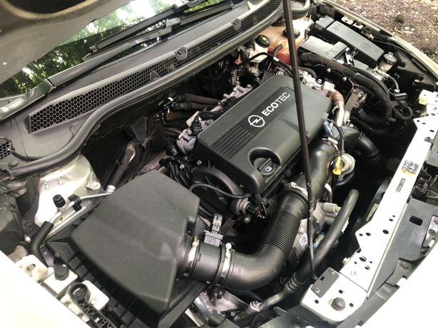 Opel Astra j 1,7cdti 2011 год