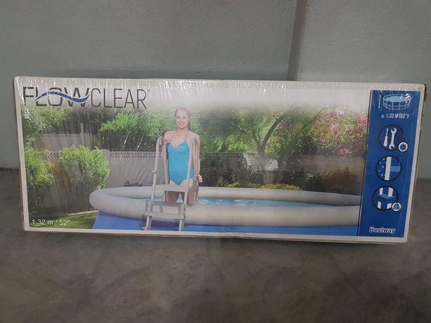 Escada piscina 1.32m