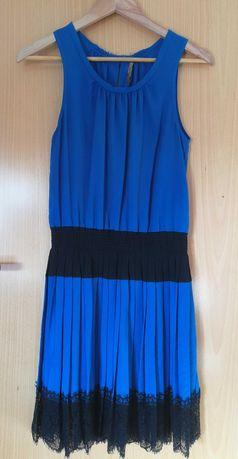 Vestido Nakuro com renda na saia