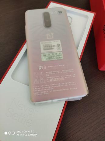 One plus 8 livre 12/256 GB