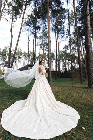 Свадебное платье CRYSTAL айвори 38 М Swarovski шлейф сукня весільна