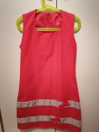 Sukienka dla dziewczynki 140 ale mniejsza