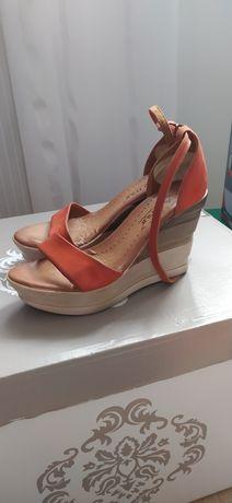 Sandały koturny damskie