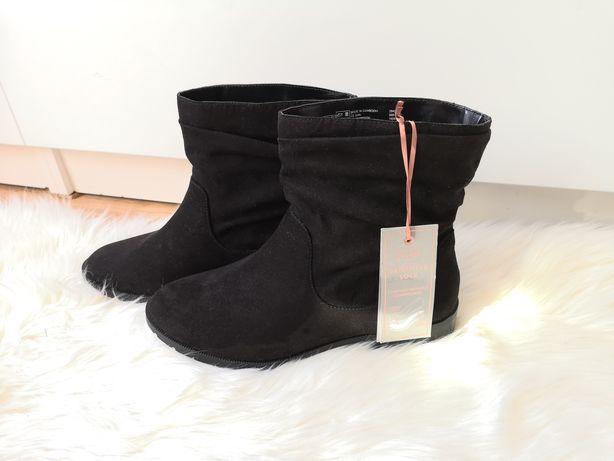 Eleganckie klasyczne czarne botki damskie kozaki kowbojki zamszowe 38