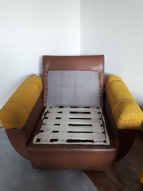 Fotele brązowe jasne złoto Prl cena za 2 sztuki