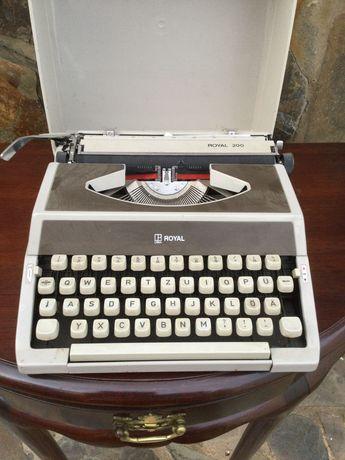 Máquina de escrever Litton Royal 200 a Funcionar como nova