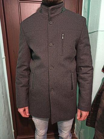 Пальто зимове розмір M