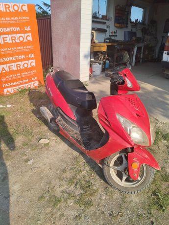 Продам скутер робочий