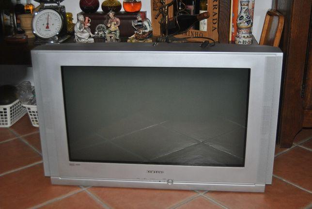 Televisão Samsung - 78 cm