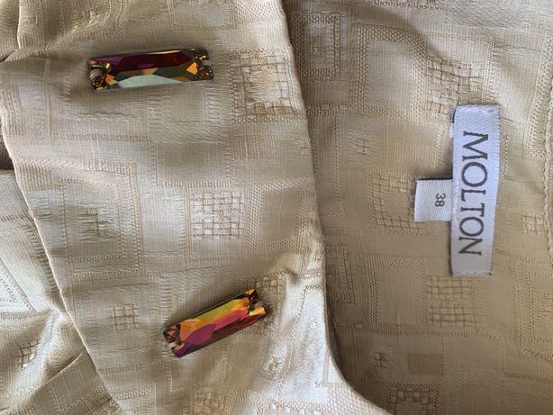 Bluzka nowa firmy MOLTON kolor słomkowy z kamieniami