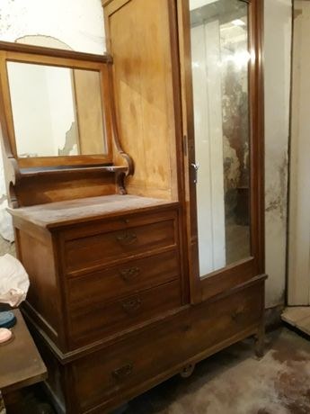 Armario quarto com espelho