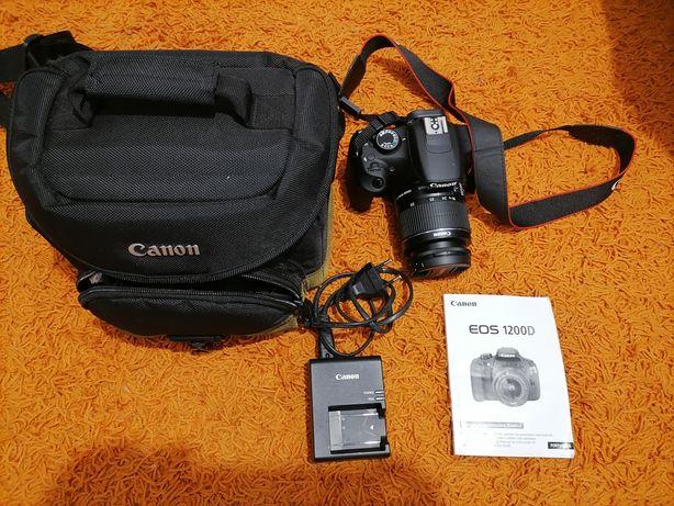 Câmara fotográfica Canon EOS 1200