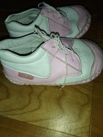 Обувь башмачки кроссовки для ребенка