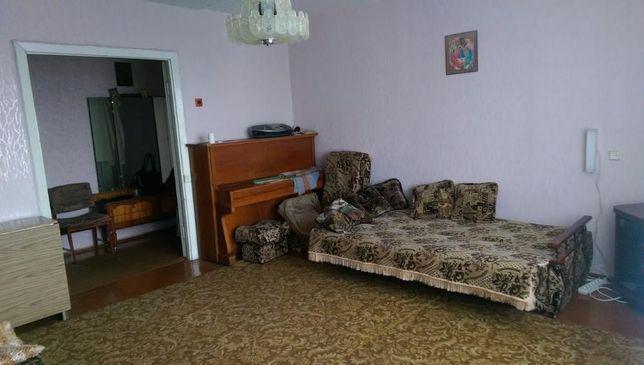 Продам 4-х кімнатну квартиру в центрі 15 мікрорайону м.Нововолинськ