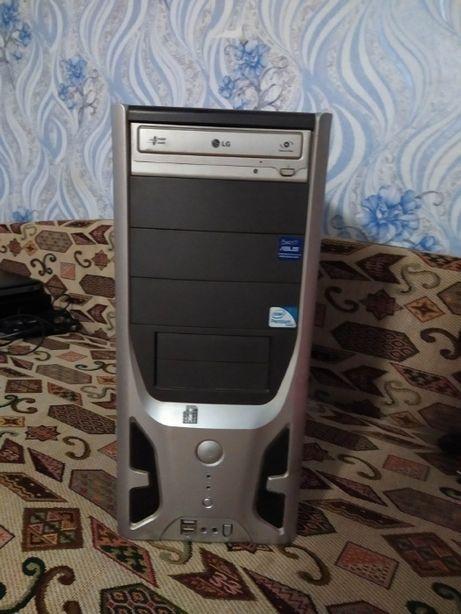 продам срочно компьютер