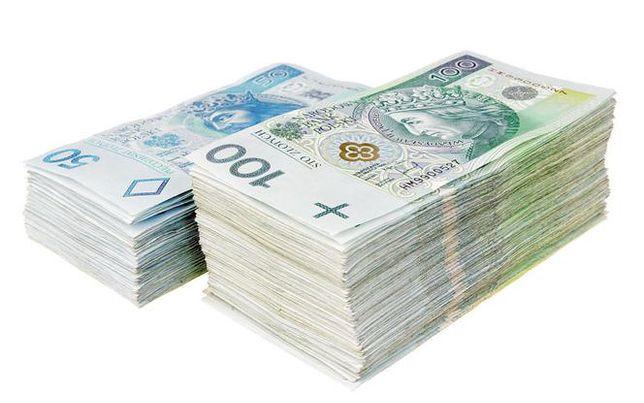 Dotacje z PUP 31.190 zł, korepetycje z prawa i adm