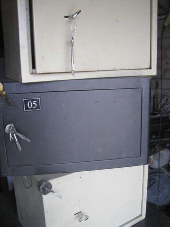 Продам комплект сейфовых ячеек,  для оружия или документов