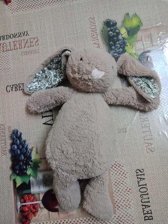 Продаю мягкую игрушку зайку