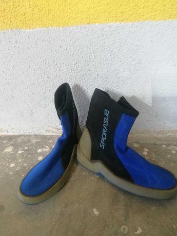 Botas de mergulho