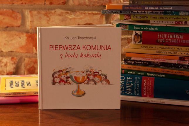 Pierwsza Komunia z białą kokardą - ks. Jan Twardowski