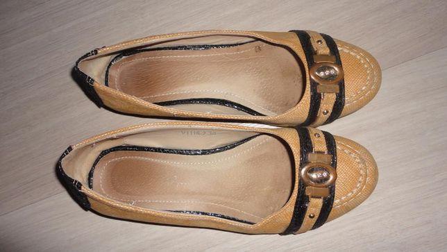 Туфли для девочки бежевые 36 размер стелька 23.5 см