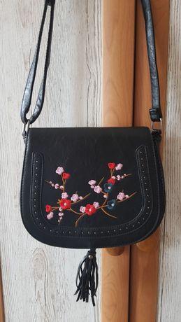 NOWA Czarna torba na ramię haft kwiaty elegancka