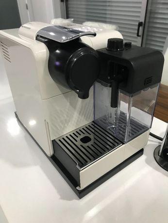 maquina de cafe nespresso LATTISSIMA TOUCH GLAM BLACK