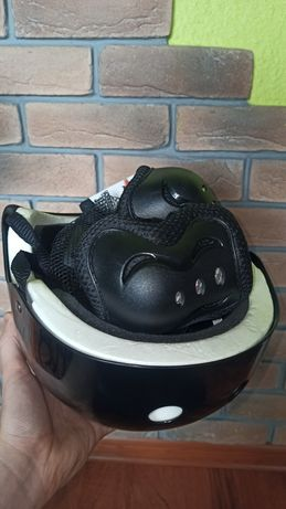 Kask i ochraniacze na łokcie i kolana rower hulajnoga deskorolka