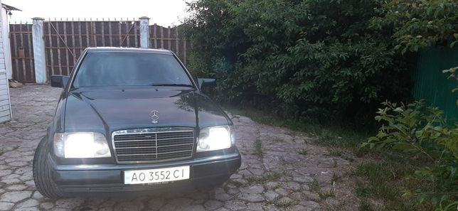 Mercedes-Benz 124 ,220, cupe