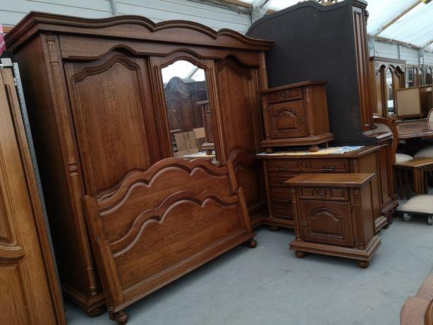 Dębowa sypialnia szafa drzwi przesuwne łóżko komoda szafki lustro