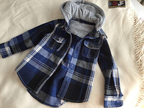 Koszula z kapturkiem baby Gap 4 lata