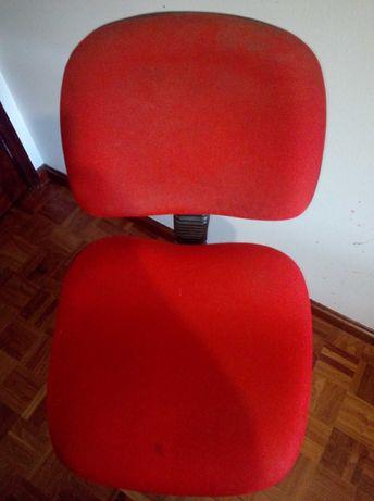 Cadeira para estirador ajustável