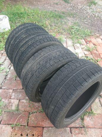 Резина Bridgestone Blizzak VRX  195 50 R15.