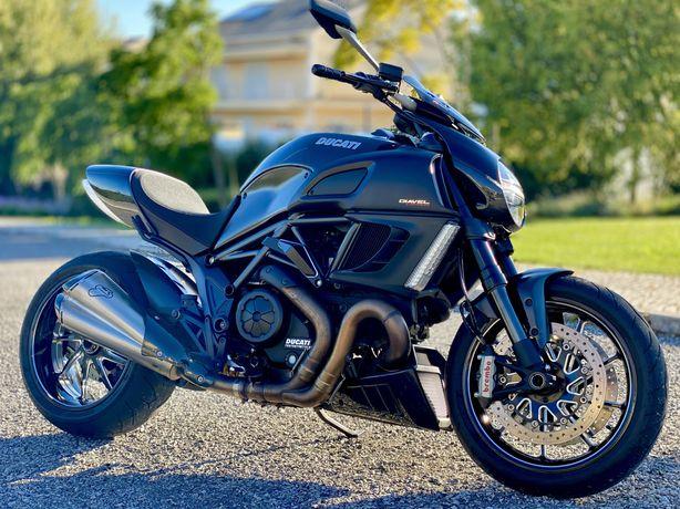 Ducati Diavel Carbon Black