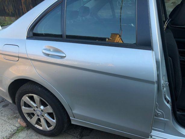 Drzwi tył tylne prawe kompletne w kolor 775 Mercedes W204 sedan