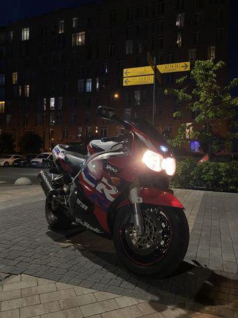 Honda  CBR 919rr (900rr) Fireblade