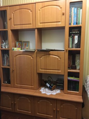 Продам шкафы для книг и посуды