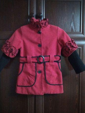 Демисезонное пальто для девочки 3-5лет