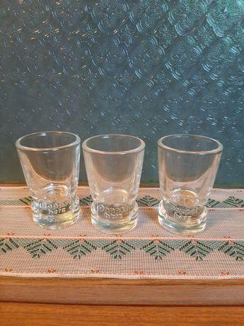 Kieliszki z grubego szkła i o grubym dnie (tylko 4 sztuki)