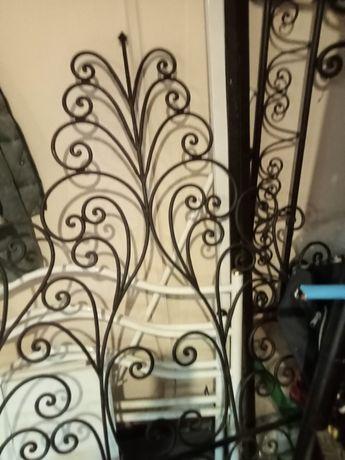 Cama de ferro antiga solteiro