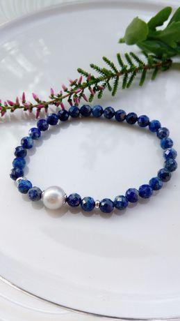 Lapis lazuli, srebro i perła - elegancka bransoletka na gumce
