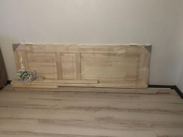 Дверь межкомнатная с коробкой навесы и дверная ручка