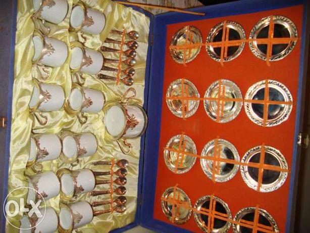 Chavenas de cafe tognana banhadas em prata