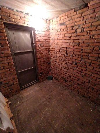 Підвал, кладовка на Трудовій 5Е