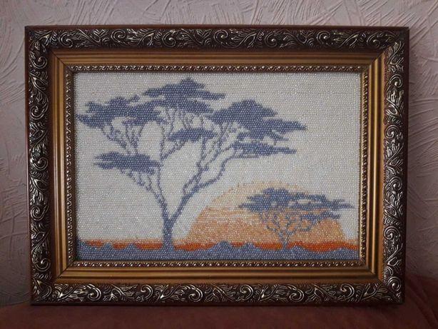 Картина из бисера 35 см х 25 см с рамкой