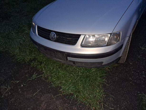 Volkswagen Passat b5 zderzak przód przedlift
