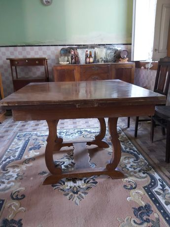 Mesa Antiga - Bom estado de conservação e oferta de Garrafeira