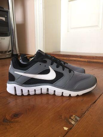 Кроссовки Nike Flex Raid