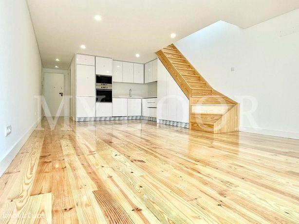 Apartamento T3 em Moscavide - DUPLEX com Varanda e Terraç...